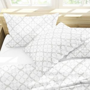 X Overlay Quatrefoil Pattern P38 in Gray on Bedding